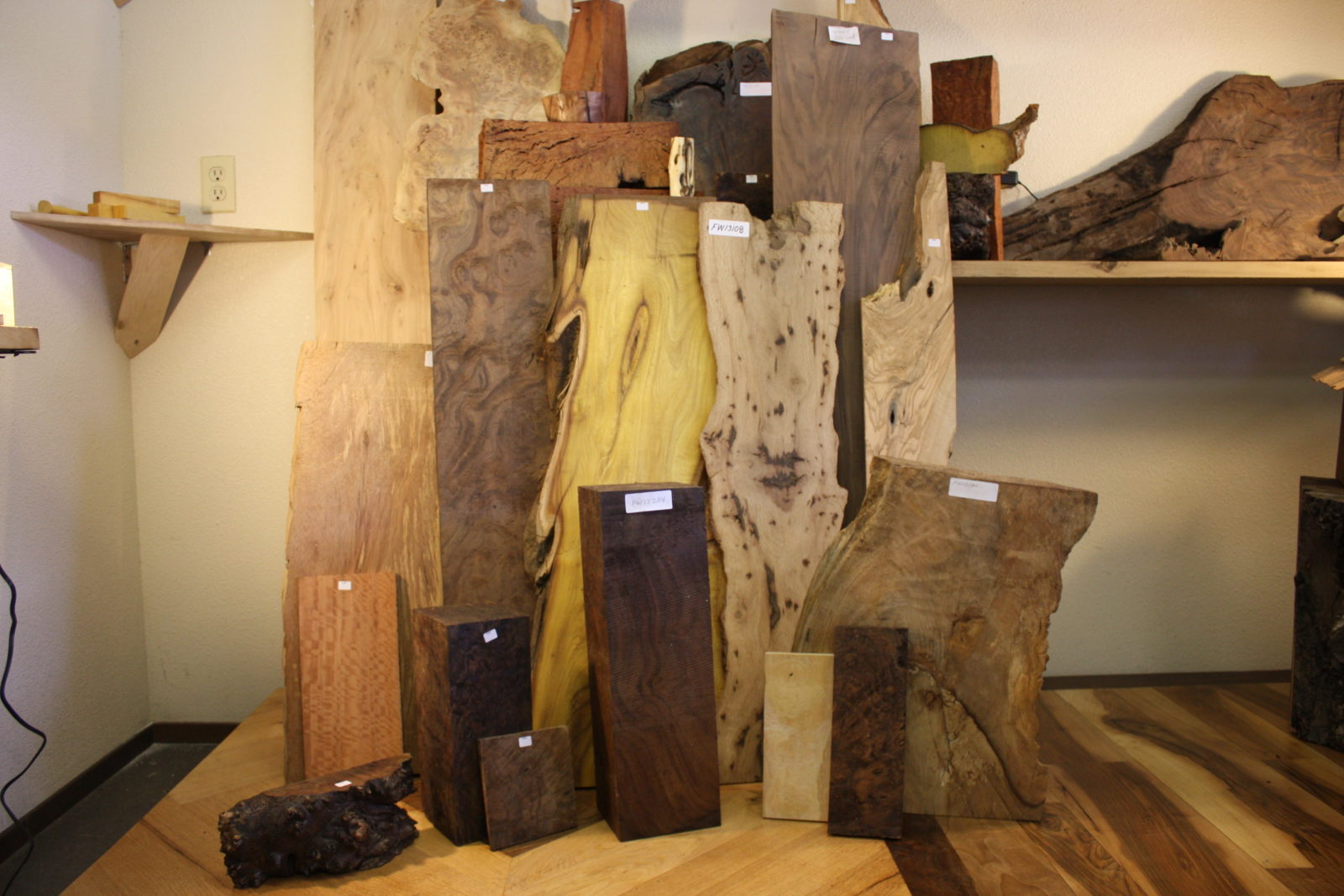 Urban Lumber samples, misc. species in picture grouping